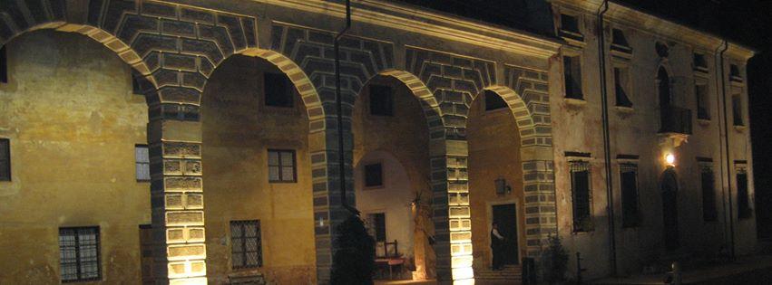 villa cita in notturna