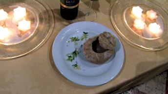 vellutata di quaglie in crosta con pane ai cereali